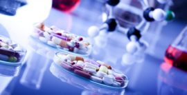 različiti lekovi i bočice